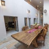 Design Double Room, 1 Queen Bed - Courtyard View