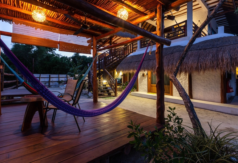 La Casa del Alux, Isla Holbox, Apartment, Terrace, Kitchen, 2 blocks from the beach, Courtyard View