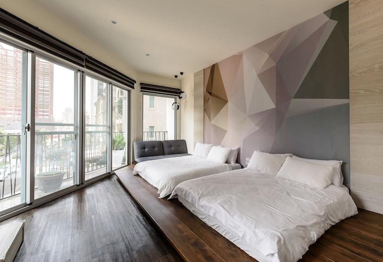 Treehouse Hostels, Tainan, Superior - neljän hengen huone, 2 keskisuurta parisänkyä, Vierashuone