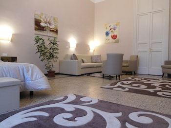 Picture of Moonlight Hotel & Suites in Catania