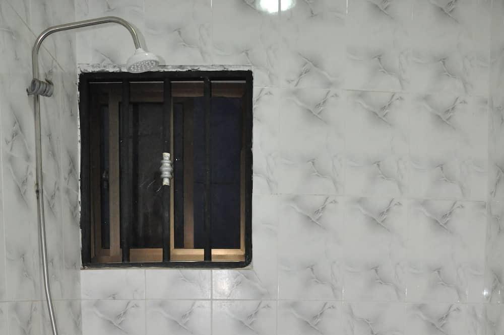 Deluxe - yhden hengen huone, 1 keskisuuri parisänky - Kylpyhuone