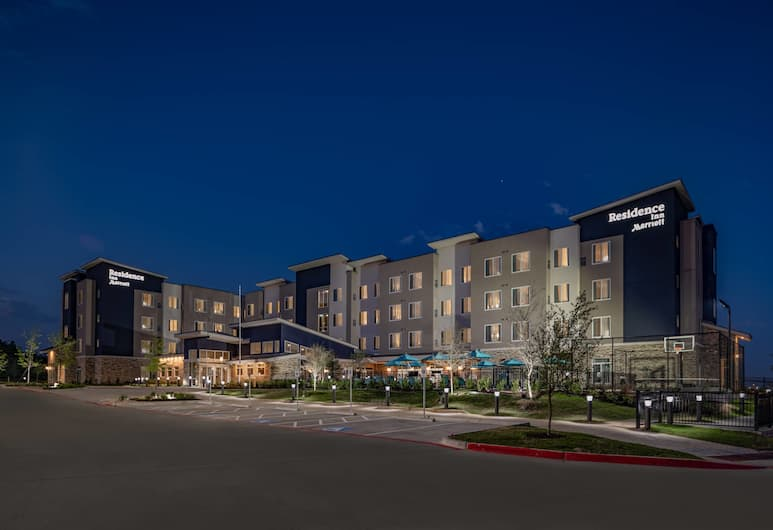 Residence Inn by Marriott Dallas at The Canyon, Dallas