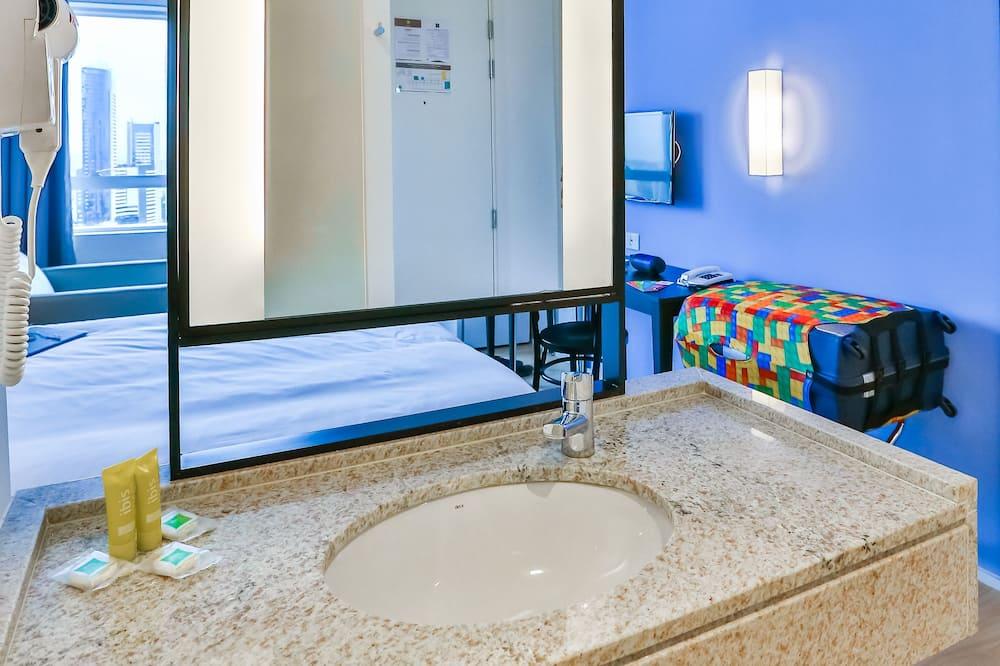 Superior-huoneisto, 1 parisänky ja vuodesohva - Kylpyhuone