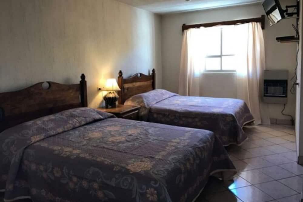 ダブルルーム ダブルベッド 2 台 - 客室