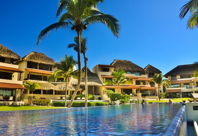 Las Palmas Luxury Villas, Zihuatanejo, Alberca al aire libre