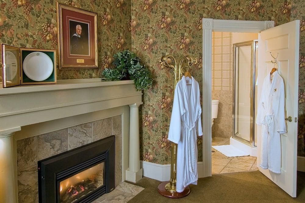 Δωμάτιο, 1 King Κρεβάτι, Τζάκι - Μπάνιο
