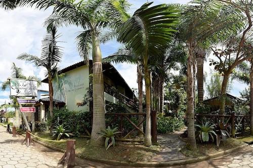 两棵椰子树别墅旅馆/