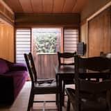 Traditional-Haus (Momiji-an) - Essbereich im Zimmer