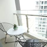 Deluxe Apartment, 1 Bedroom, Accessible, Pool View - Balcony