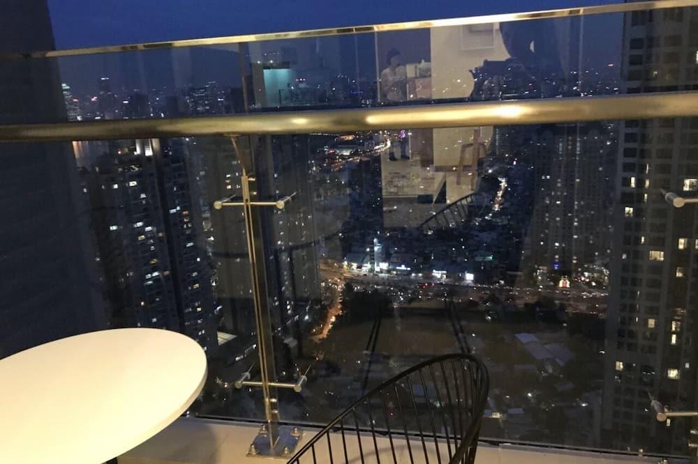 2 Bedrooms Apartment P6B4509 - Balcony