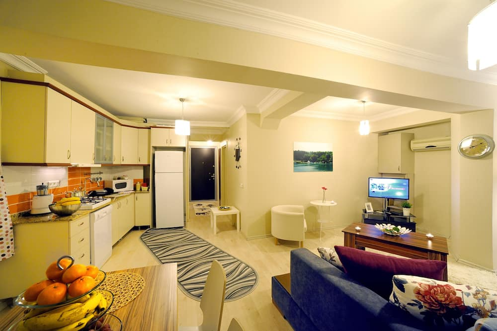 Family Apartment, 1 King Bed with Sofa bed, Kitchen - Living Room