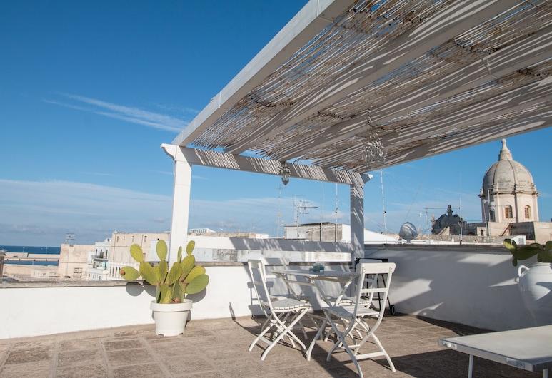Holiday Monopoli, Monopoli, Panoramic Apartment, Terrace, Sea View (Chiasso Cacace 8), Teres/Laman Dalam