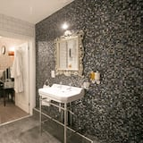 Apartment, 1 Double Bed (The Muckleburgh) - Bathroom