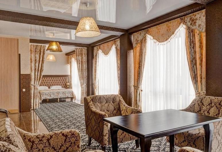 Nairi Hotel, Volgograd, Suite - boblebad, Stue
