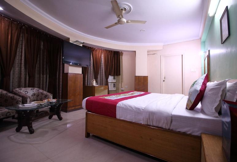 OYO 2754 near City Centre, Gwalior, חדר סטנדרט זוגי או טווין, מיטה זוגית, חדר רחצה פרטי, חדר אורחים