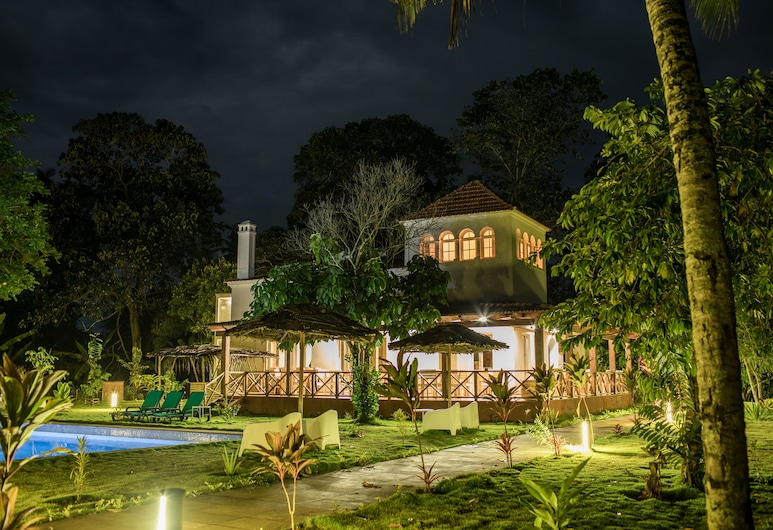 Roça Santo António Ecolodge Hotel, Sao Tome Island, Hotel Front – Evening/Night