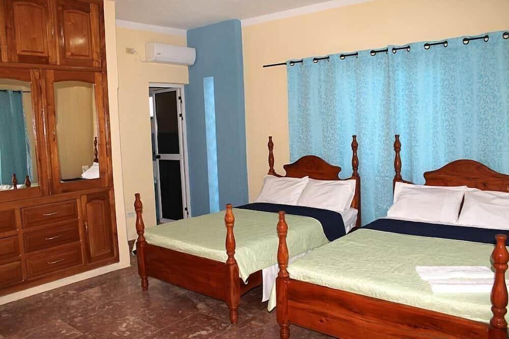 House, 2 Bedrooms - Bilik Tamu