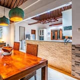 Luxury Villa, 2 Bedrooms, Kitchen, Pool View - In-Room Dining