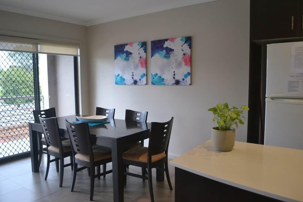 Luxe appartement, 2 slaapkamers, uitzicht op meer - Eetruimte in kamer