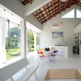 特色別墅, 1 張特大雙人床, 廚房, 花園景觀 - 客廳
