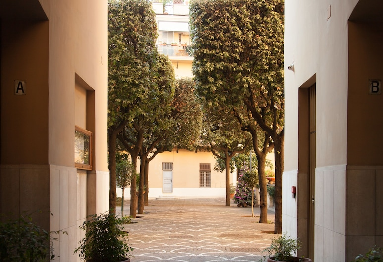 Vatican Leone IV, Rome, Hotel Entrance