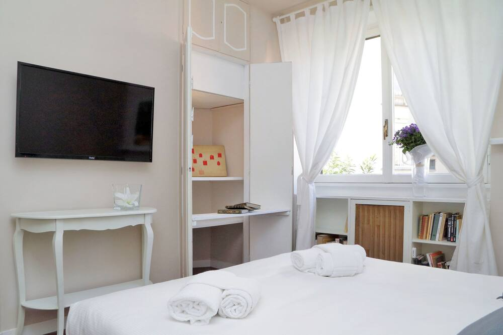Apartment, 2 Bedrooms, Balcony - Room