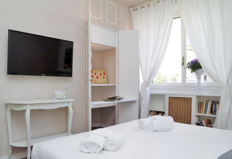Vatican Art House - CelebrateU, Rom, Apartment, 2 Bedrooms, Balcony, Bilik