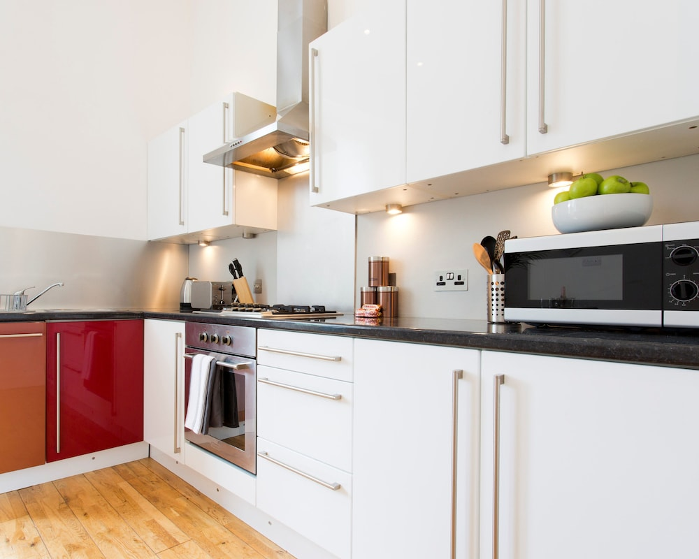 Clyde Walkway Apartment, Glasgow: Info, Photos, Reviews | Book at ...