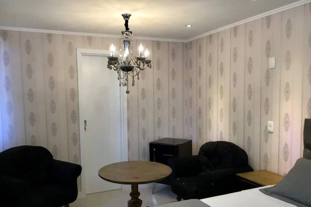 Suite Deluxe 116 - Ruang Tamu