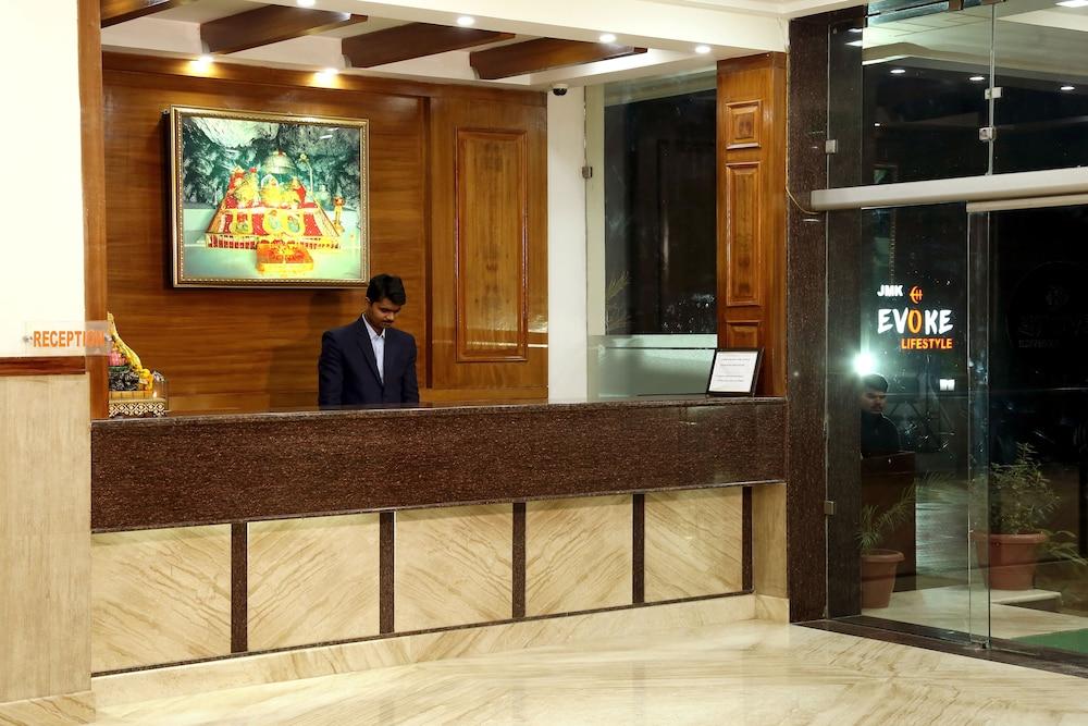 Evoke Lifestyle in Katra - Book on Hotels.com e5980f2a83
