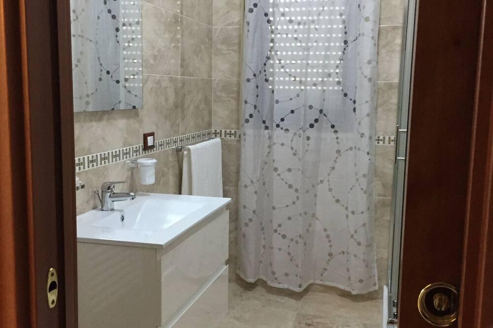 舒適公寓, 無障礙, 吸煙房 - 浴室洗手台