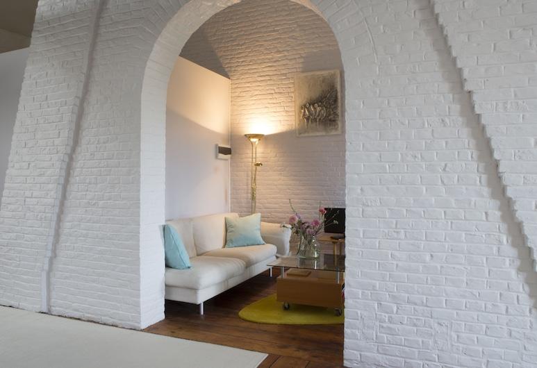 BnB Les Greniers de Madelgaire, Soignies, Suite, 3 Bedrooms, Living Room