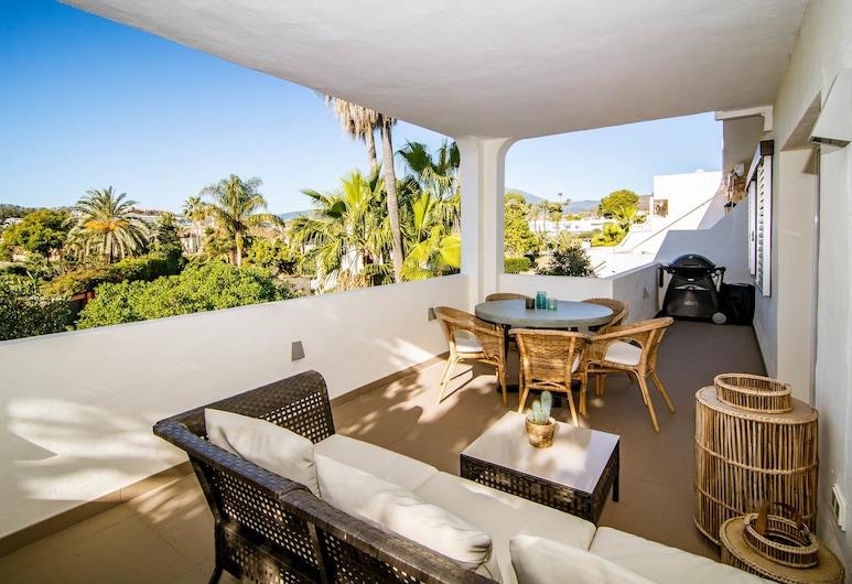 AS12 Luxury 3 bedroom apartment RoomService, Marbella, Apartment, 3Schlafzimmer, Gartenblick, Terrasse/Patio