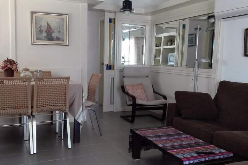 Βίλα, Βεράντα - Περιοχή καθιστικού