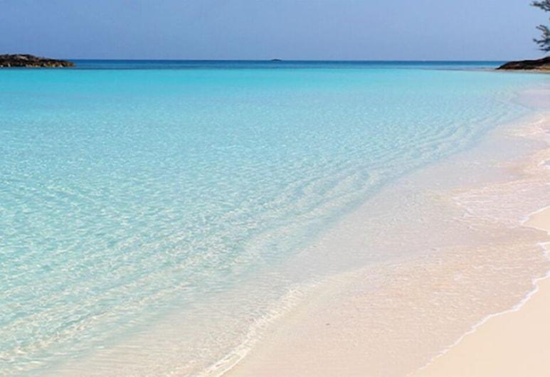 미라마르 빌라, 파라다이스 아일랜드, 해변