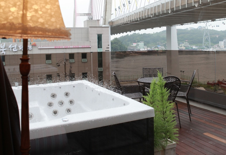 GITE Party Pool Pension, Yeosu, Deluxe-tvíbýli (Spa Tub with Surcharge), Einkanuddbaðkar