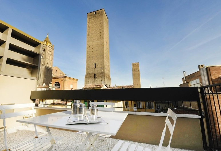 Piazza Maggiore Penthouse, Bologna, Apartment, 2 Bedrooms, Terrace/Patio
