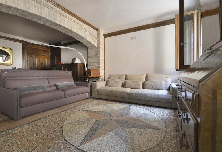 UR Nest Guerrazzi - Luxury Collection , Bologna, Apartment, 2 Bedrooms, Living Room