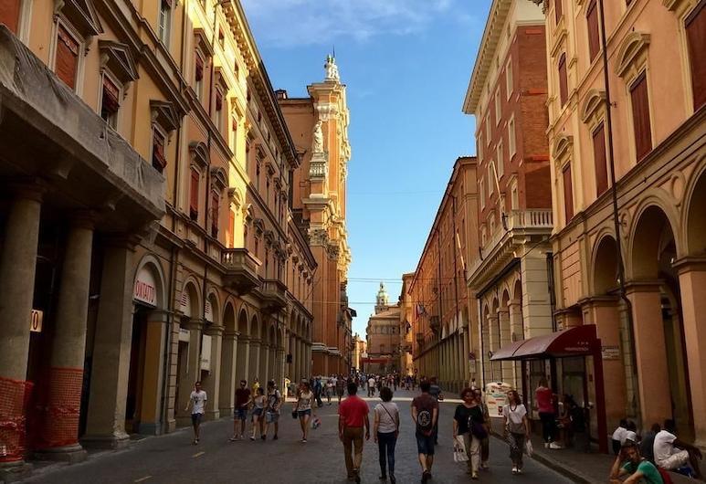 UR Nest Laura Bassi , Bologna, Außenbereich