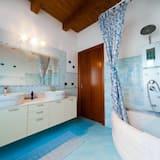 Standard Oda, Deniz Manzaralı, Denize Bakan - Banyo