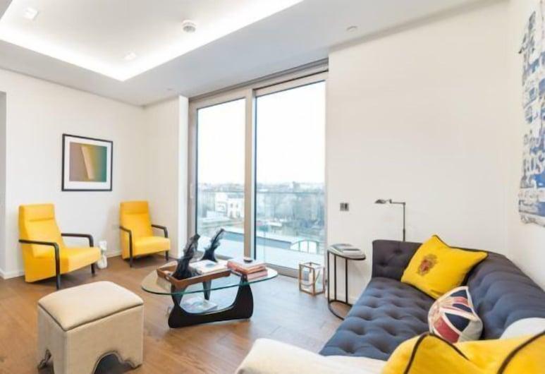 Berkeley Residential - Columbia Gardens, London, Double Room, Living Room