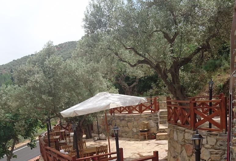 Sirince Klaseas Hotel & Restaurant, Selçuk, Terraza o patio