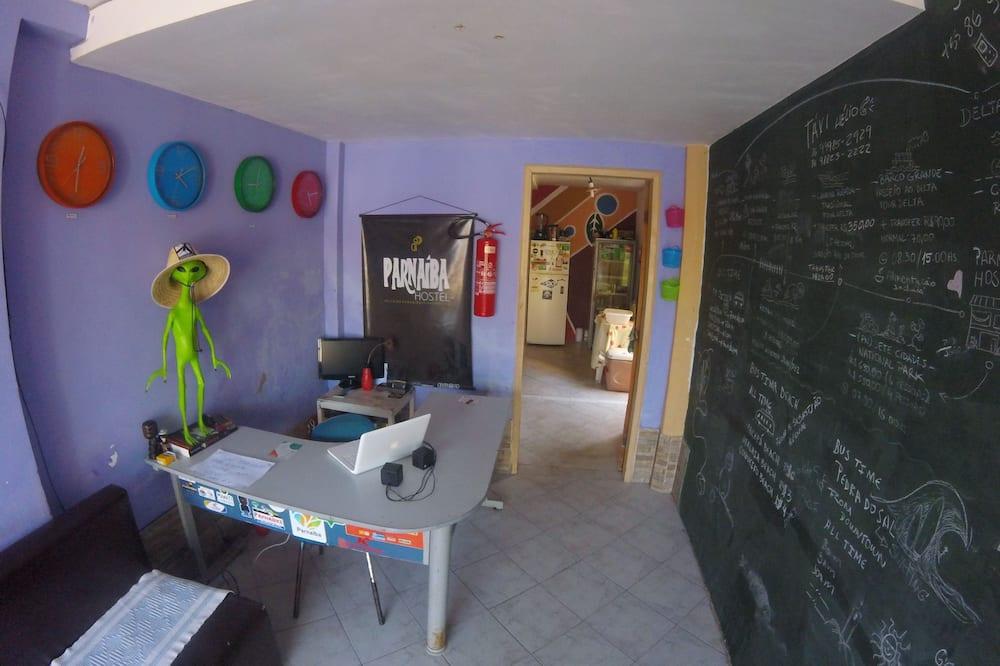 基本共用宿舍, 1 間臥室 - 櫃台