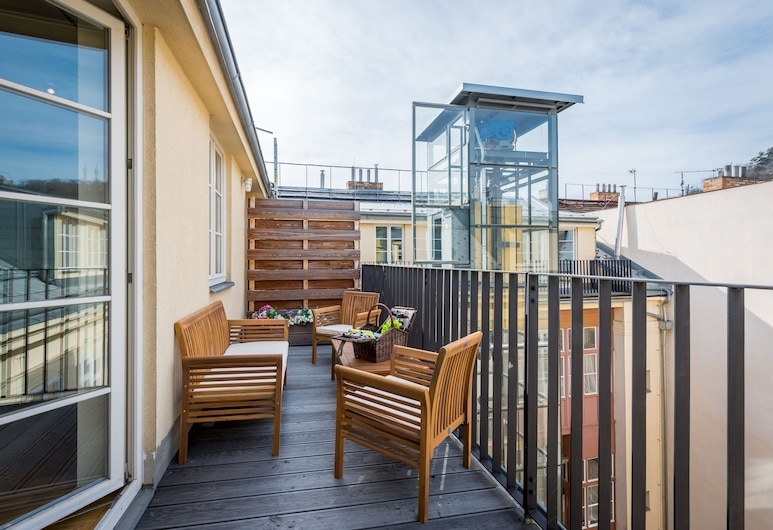 EMPIRENT Mala strana Apartments, Praag, 7 Bedroom Apartment - Vitezna 12, Balkon