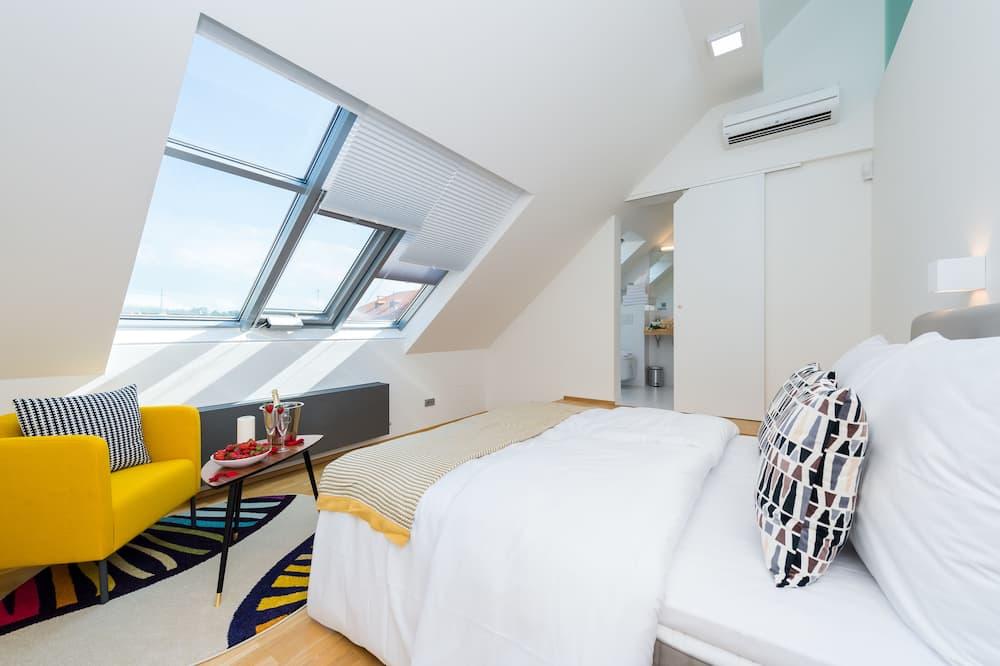 Apartmán, 2 ložnice (Hellichova 7) - Výhled zpokoje