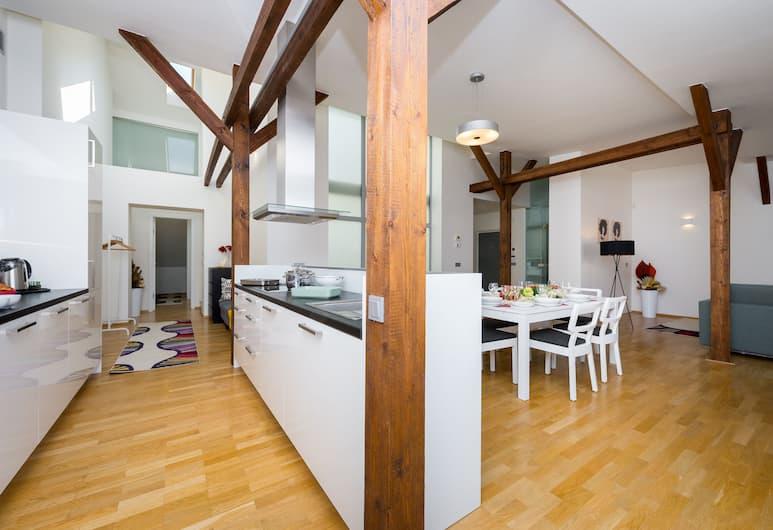 EMPIRENT Park Apartments, Praha, Apartamentai, 2 miegamieji (Hellichova 7), Svetainės zona