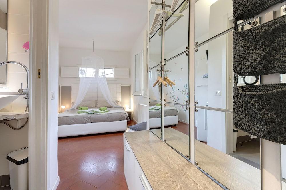 Apartment, 1 Bedroom (Via del Corso 16, Florence) - Room