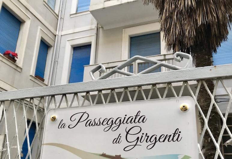 La Passeggiata di Girgenti, Agrigento, Entrada del hotel