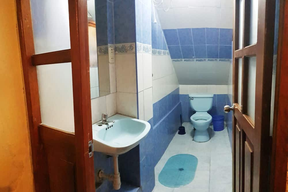 Családi szoba, privát fürdőszoba - Fürdőszoba