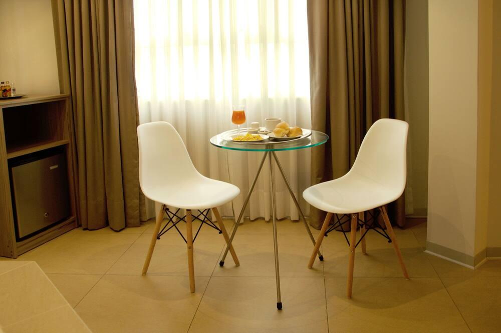 Numeris verslo klientams, 1 labai didelė dvigulė lova - Vakarienės kambaryje